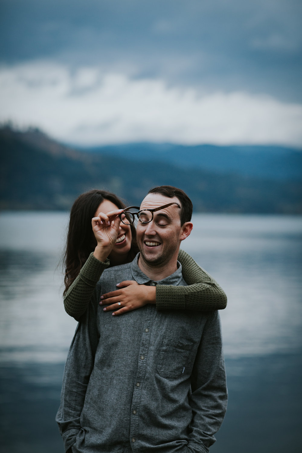 Gorge Oregon Engagement Photos-14.jpg