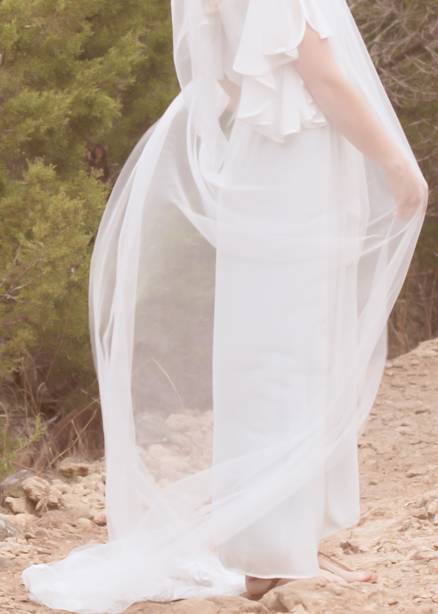 Long Veil Woodinville Wedding Bellevue Sheer Layers Dreamy.jpg