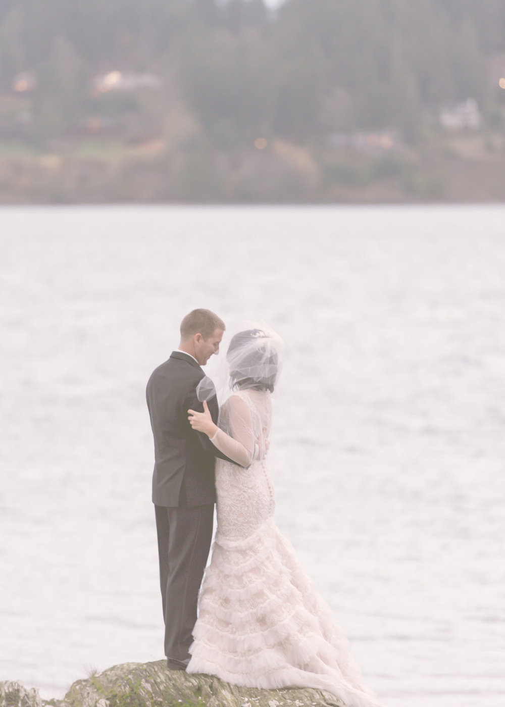 Rustic Winter Wedding Kiana Lodge Poulsbo Rainy Day-22.jpg