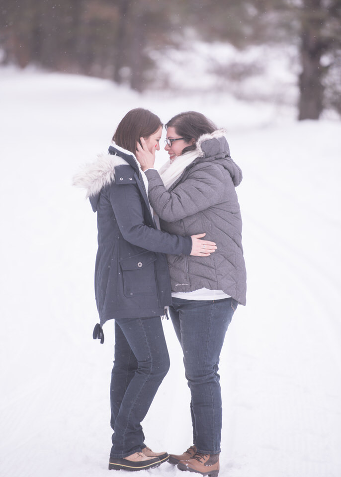 Leavenworth snowy engagement -1159.jpg