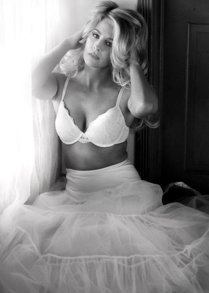 Bridal Boudoir Seattle PNW elegant editorial vintage classic-2.jpg