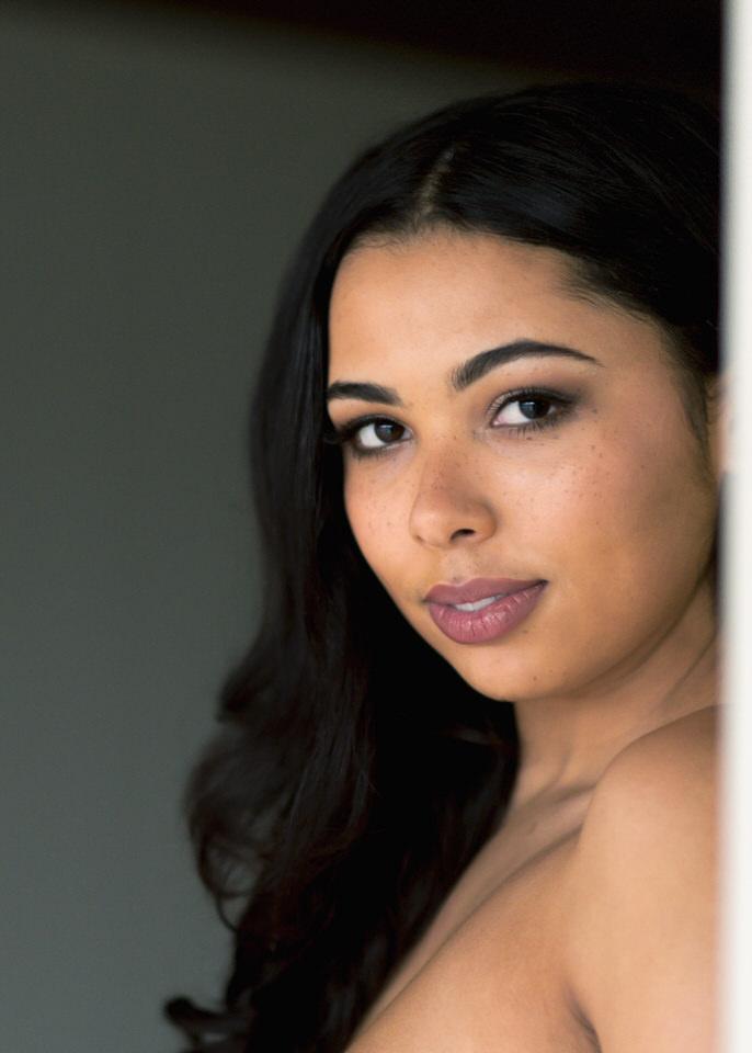 Seattle Boudoir Christina Servin Photographs Modern Sexy Clean Brown Skin-11-2.jpg