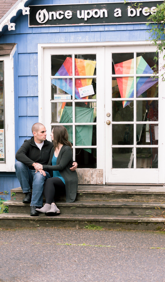 Cannon Beach Town Pavillion Engagement Session Rainy Day Casual-46.jpg