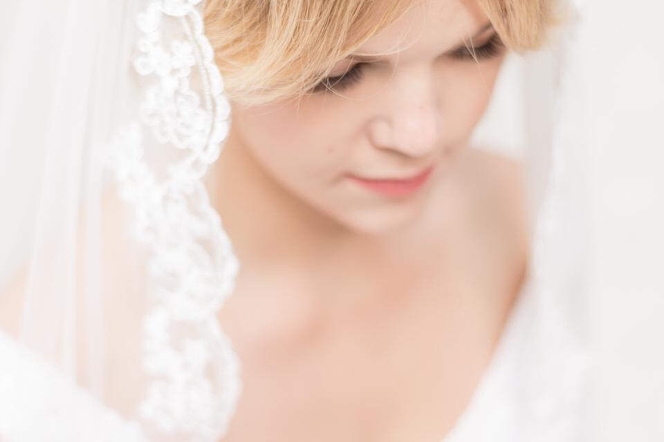 Weddings in Woodinville bride lace veil coral lip-1.jpg