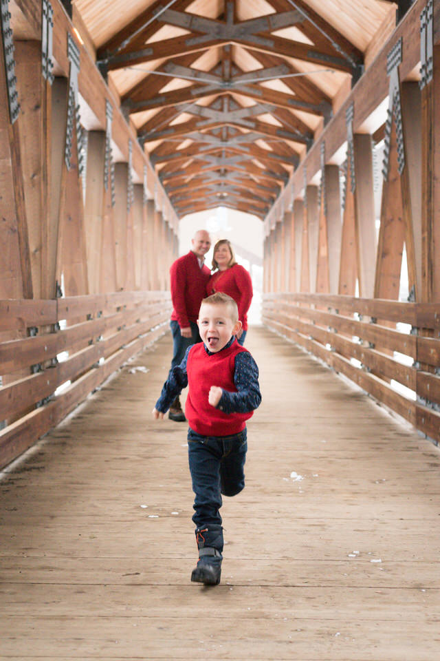 Alpental Bridge Snoqualmie Pass Winter Family Session C Servin Photographs -25.jpg
