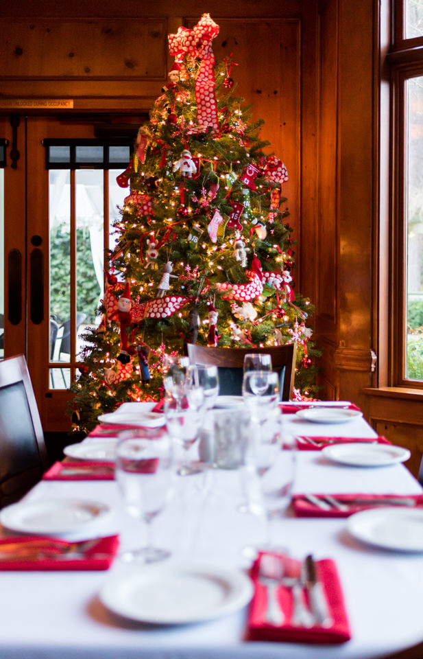Christina Servin Photographs Dinner Table Christmas on Bainbridge Island Holiday-2.jpg