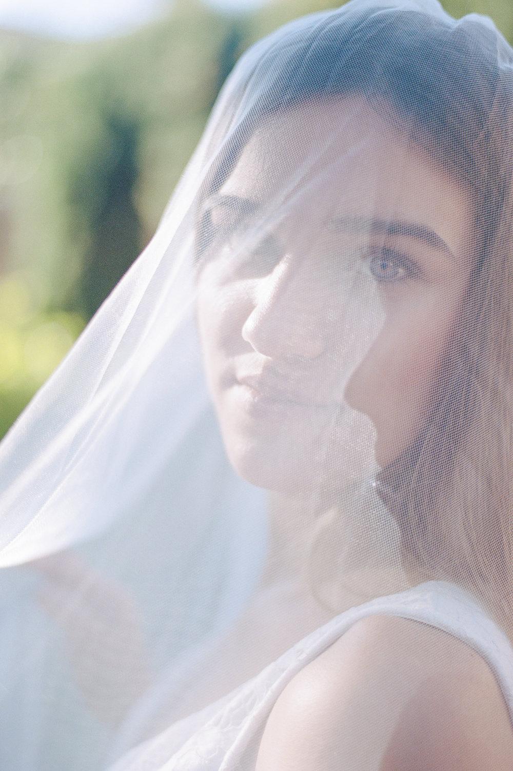 Jardín de Monforte Valencia Bridal Portraits Destination Wedding Spain-11.jpg