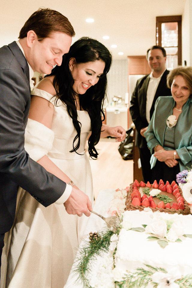 Bride and Groom Wedding Cake Seattle Enumclaw Spring Christina Servin Photographs-2.jpg