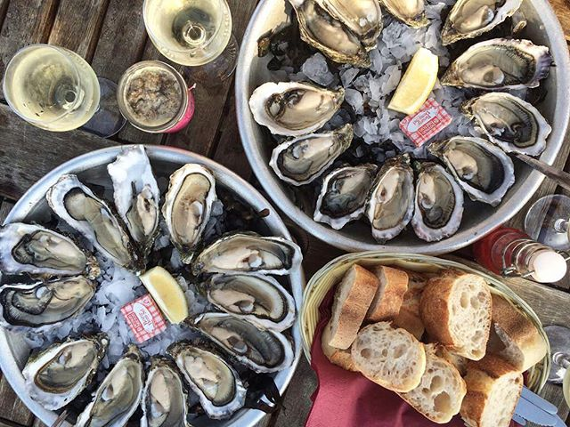 ONE WORD: HAPPINESS ❤️🌊🍷 #Food | #Oysters | #FoodPorn | #Foodie | #FoodPic | #FoodGram | #FoodLover | #PicOfTheDay | #PhotoOfTheDay | #InstaGood | #Holiday | #Summer | #France | #Arcachon | #Travel | #Traveling | #InstaTravel | #TravelGram