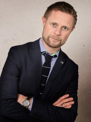 foto: Bjørn Stuedal Bent Høie har funnet svaret på rettferdighet for de som trenger fysikalsk behandling.