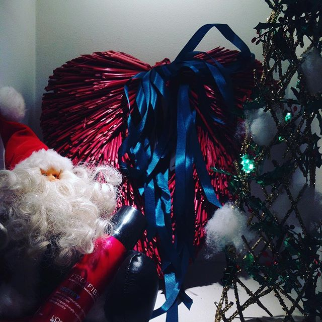 Merry Christmas !  皆様、良い週末をお過ごしください。  お暇なら是非マサトパリ六本木ヒルズまで。  イルミネーションも綺麗ですよ。