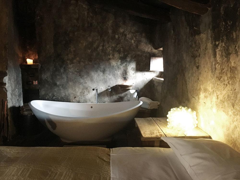 Abruzzo---hotel-room-Sextantio---2.jpg