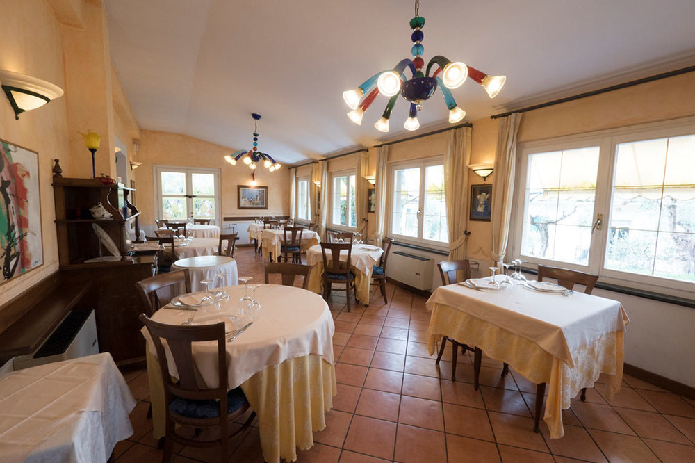 "The old school Italian dining room of ""Locanda Miranda"""