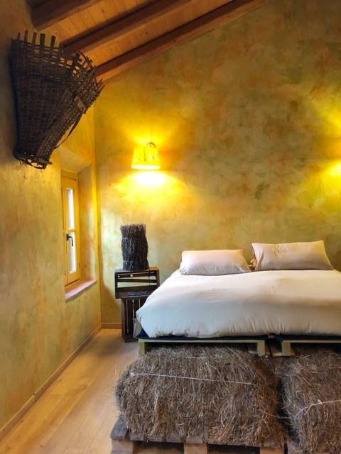 """Hay Room - """"Stanza del Fieno"""""""