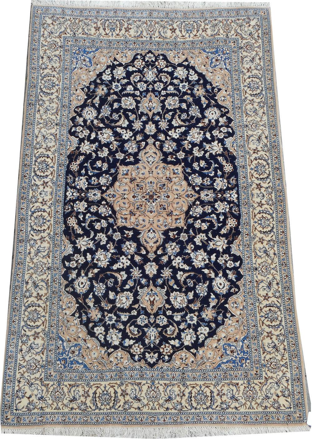 Naiin m. silke 194 x 117