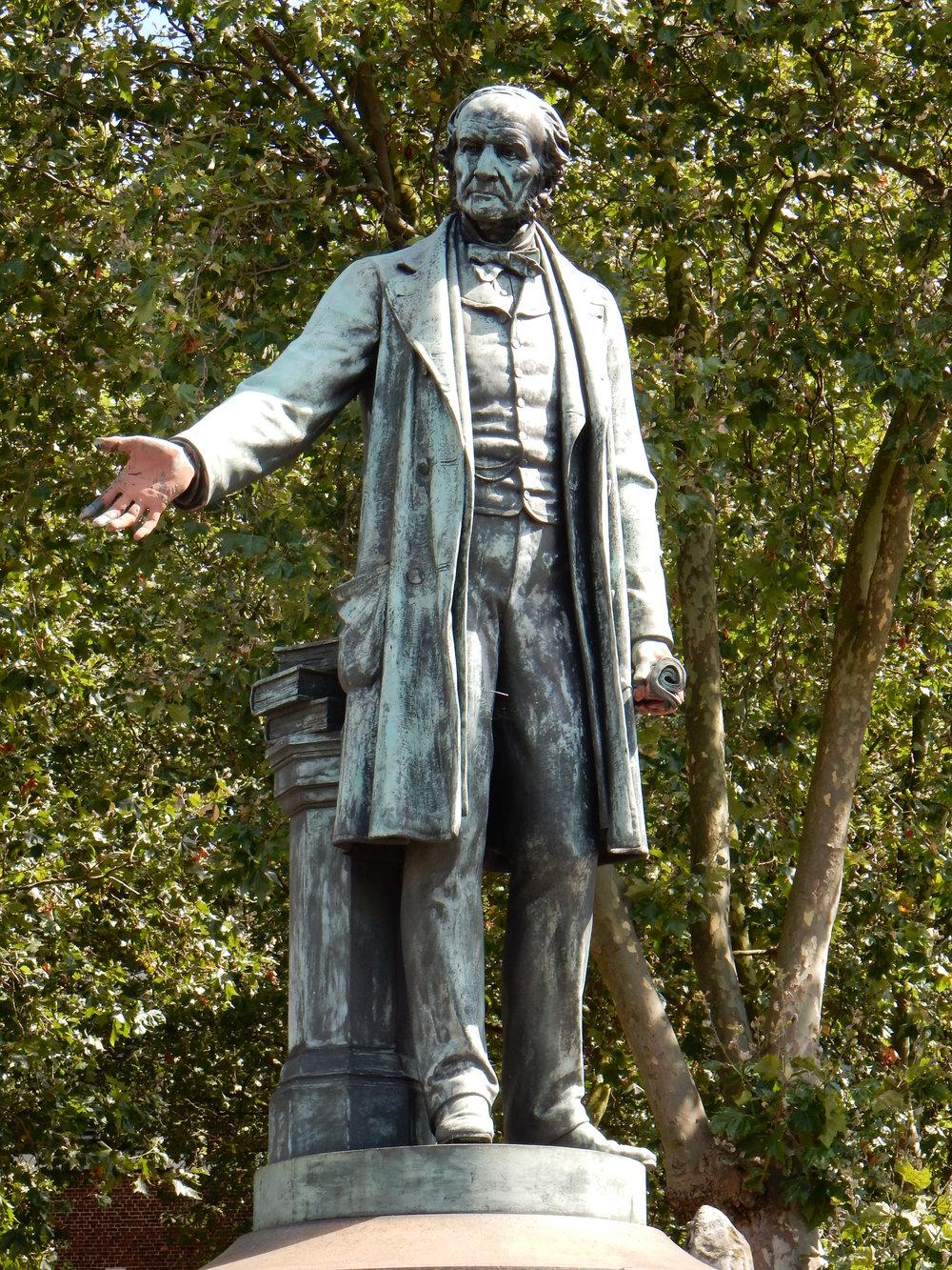 William Gladstone Statue, Bow