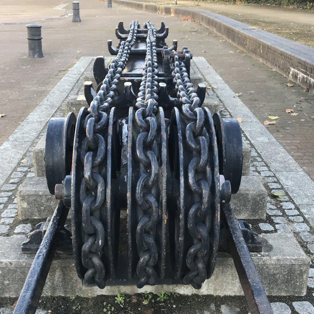 Hydraulic Ram, Millwall Dock Entrance Lock