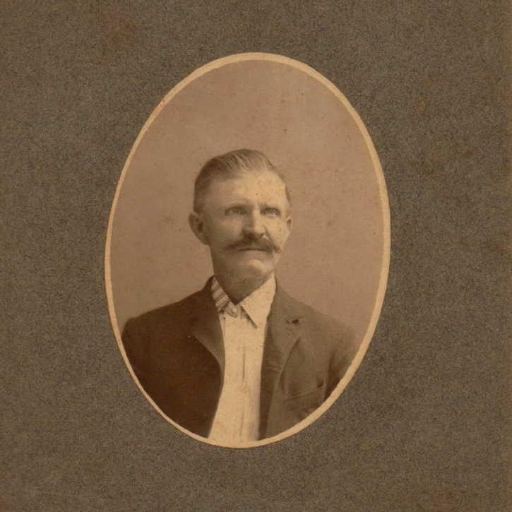 Pvt. Lorenzo Morris, Co. D, 6 IL Cavalry, USA