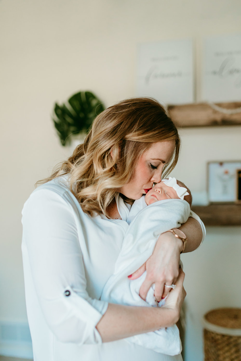 Lauren_gripka_photography_lifestyle_newborn_session_basehor_kansas-7.jpg