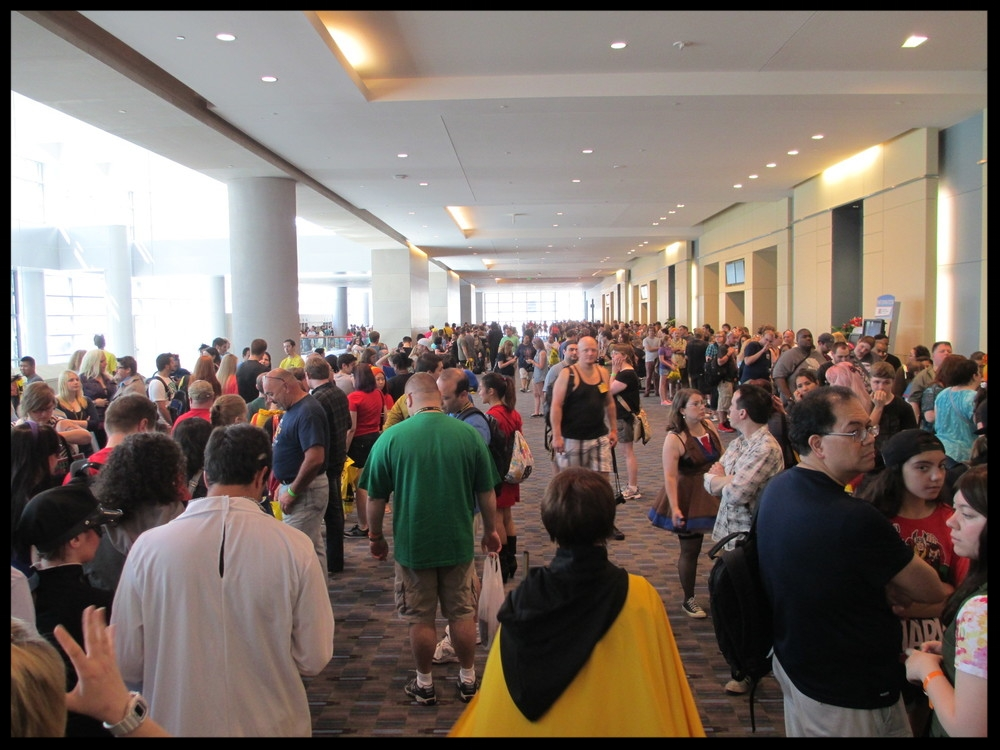 Philly comic con 13 - crowds 2.jpg