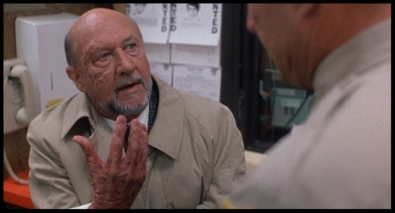 Donald Pleasence Dr.Loomis.jpg
