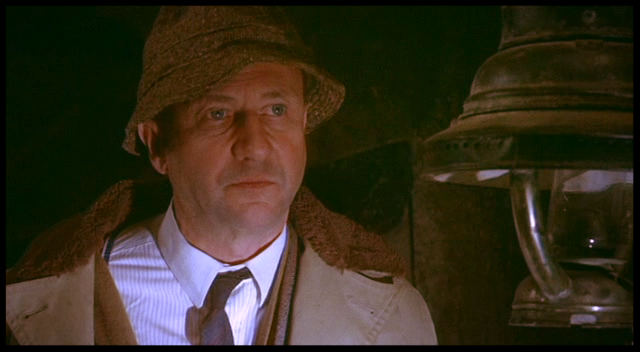 Death Line Donald Pleasence 2.png