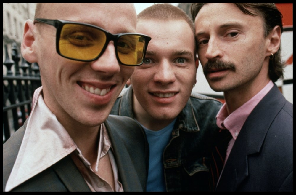 Ewen Bremner ,  Ewan McGregor  and  Robert Carlyle  in   Trainspotting   (1996)