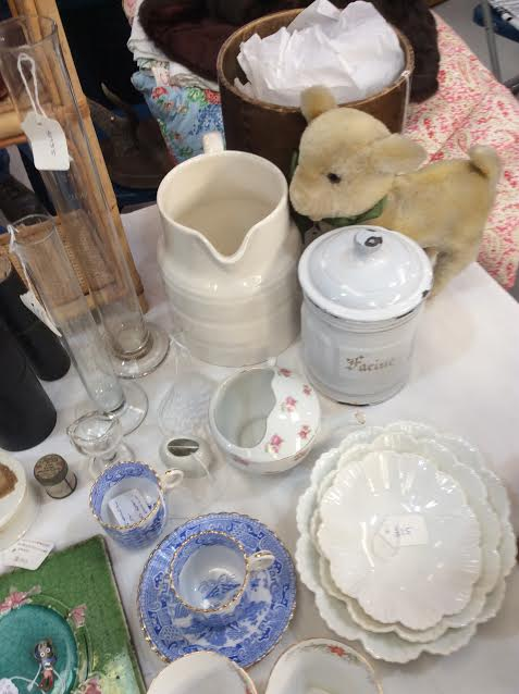 stall antiques