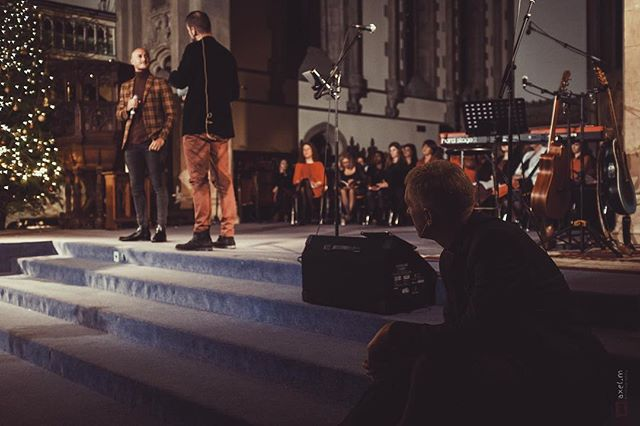 Carols by Candlelight (1/3)  A huge thank you to @aureliencollin78 who spoke about his life, faith and football 📸 : @xelxel7  #London #christmas #church #football #family #friends