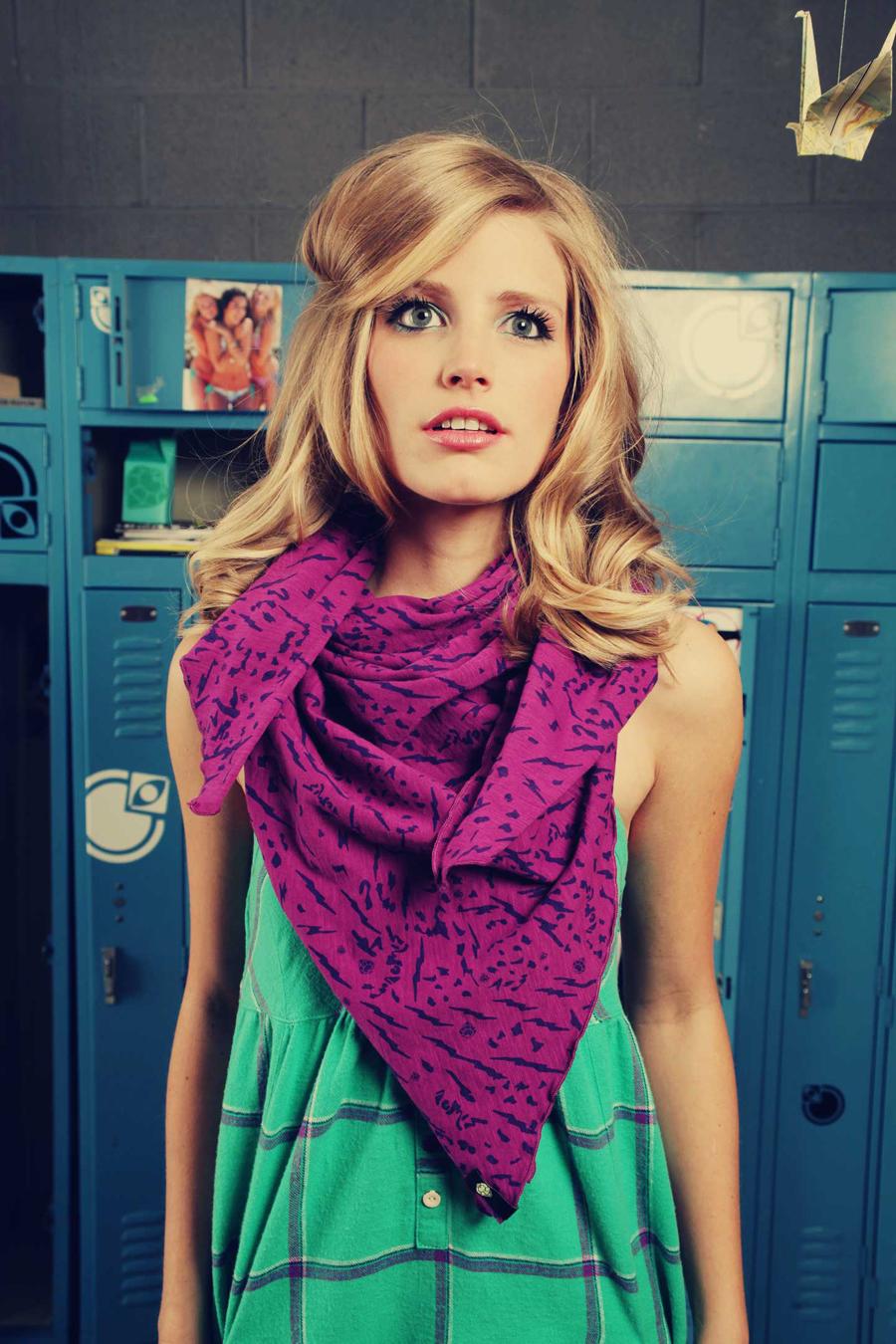 BrokenScarf_7312.jpg