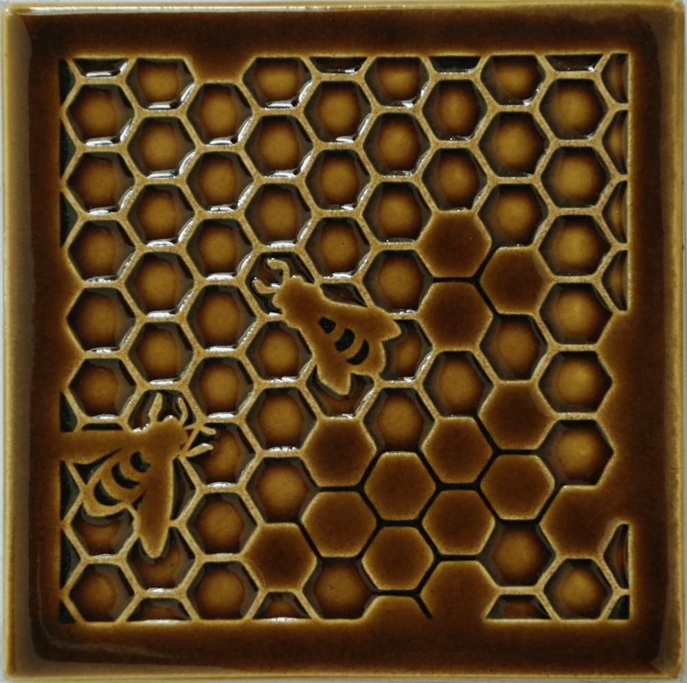 Bee E.2.jpg
