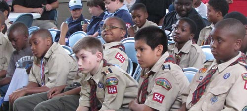 500_group_of_scouts_sitting.jpg