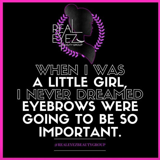 Hope you and your gorgeous eyebrows are having a fabulous Friday! #getitgirl #friday #eyebrows #microblading #realeyez #beauty #eyebrowembroidery #semipermanentmakeup