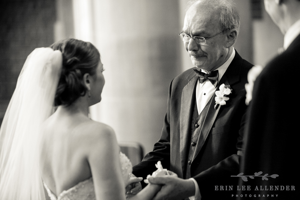 Bride_Cries_With_Dad