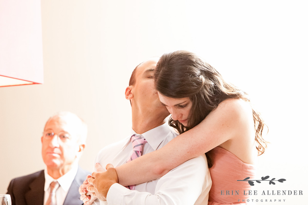 Couple_Kisses_At_Reception