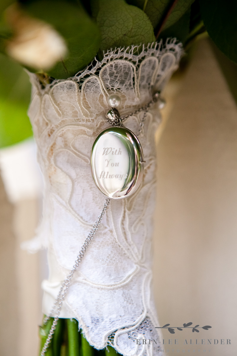 Memory_Locket_on_Bouquet