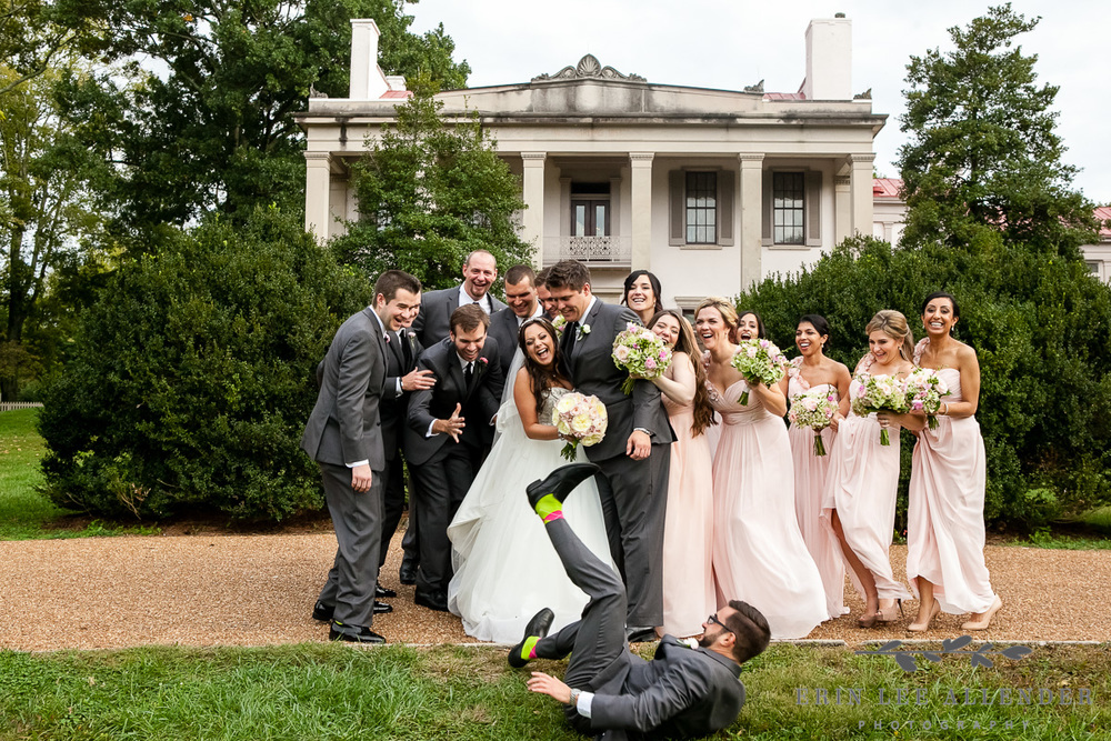 Fun_Bridal_Party_Photograph