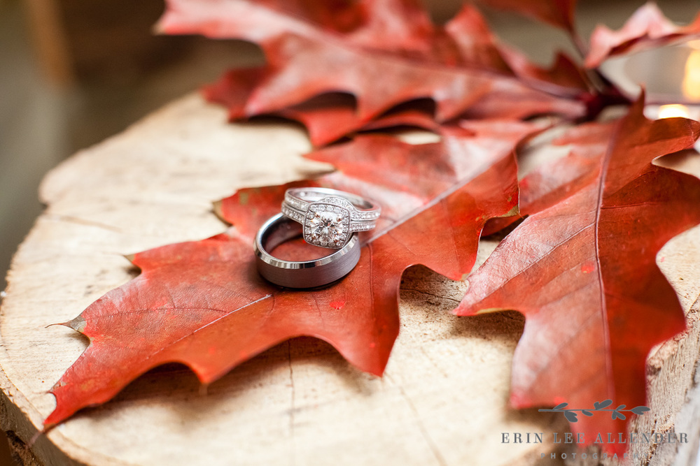 Ring_Photograph_on_Leaf