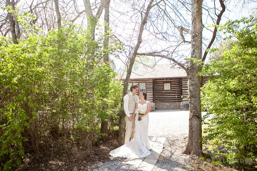 Bride_Groom_Cabin