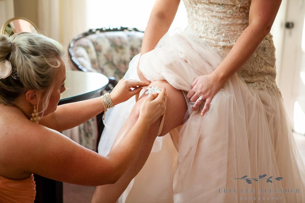 Bride_Puts_on_Garter
