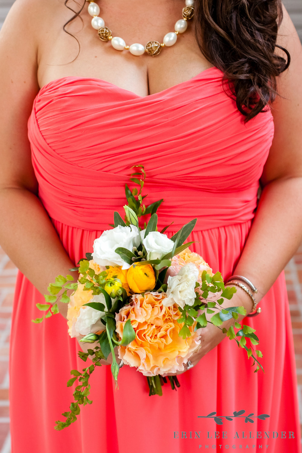 Different_Bridesmaids_Dresses_With_Bouquets