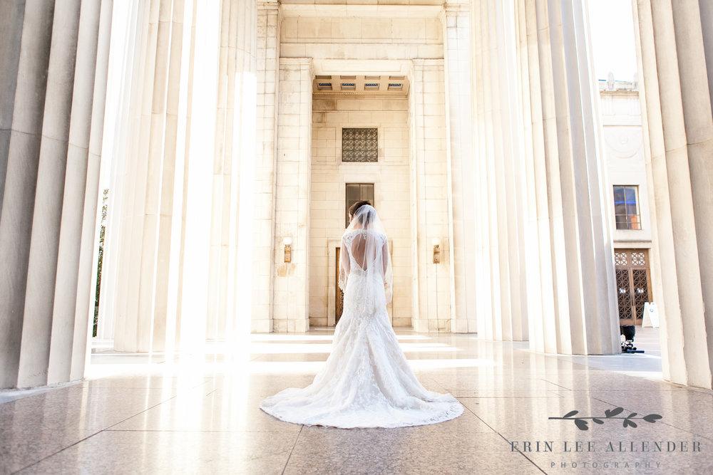 Bride_In_Columns