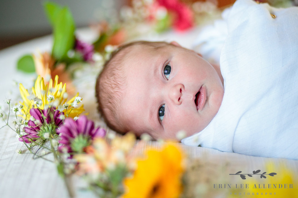 Baby_With_Flowers