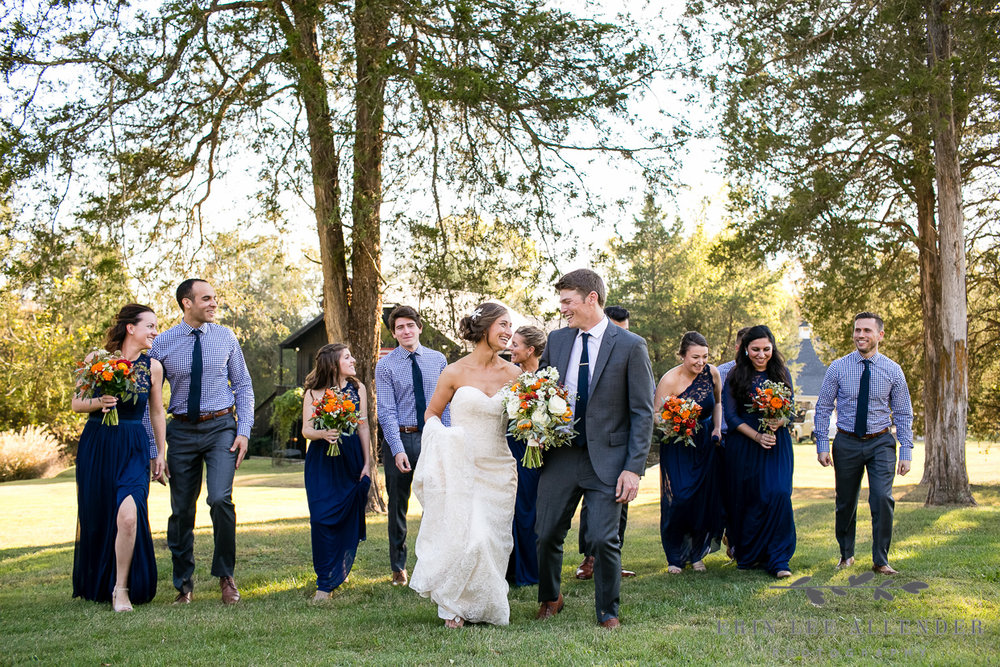Fall_Wedding_Party_In_Woods