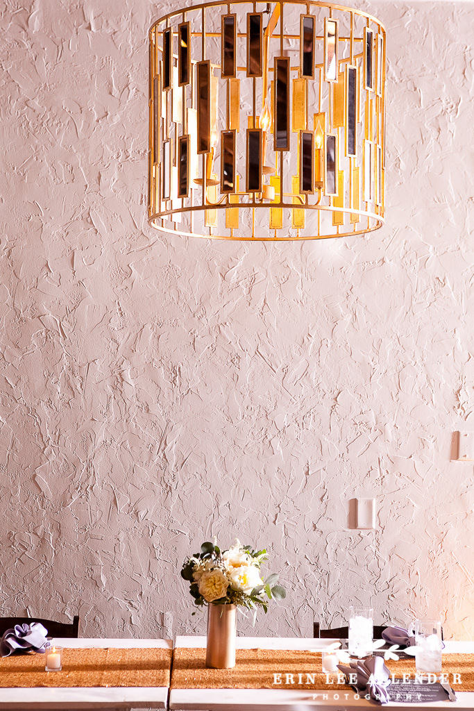 Modern_Chandelier_Wedding