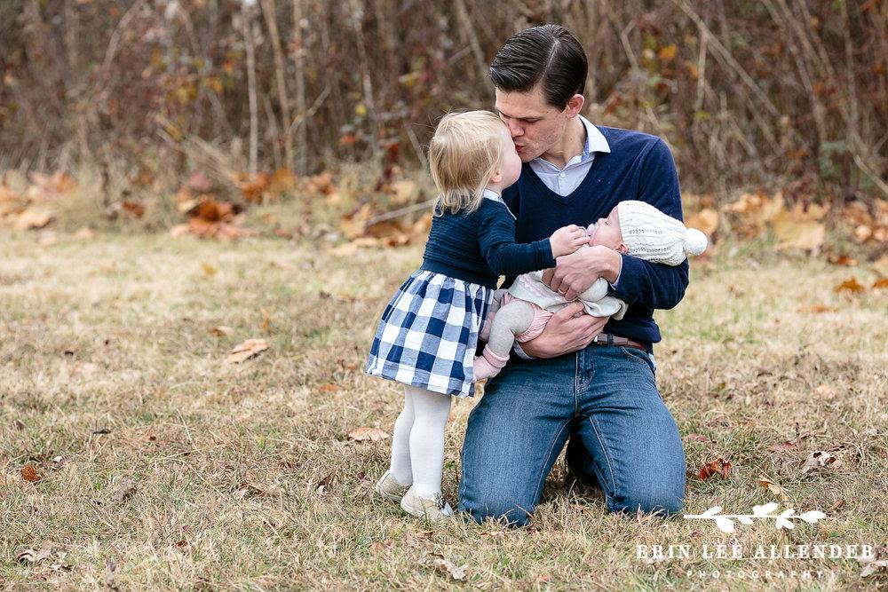 Little_Girl_Kisses_Dad