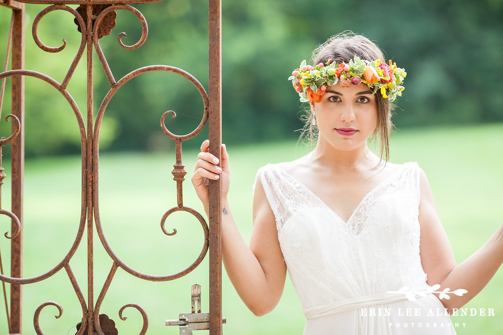 Bride_With_Floral_Crown