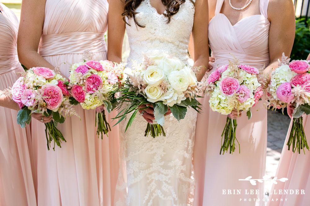 Pink_and_White_Bridal_Bouquets