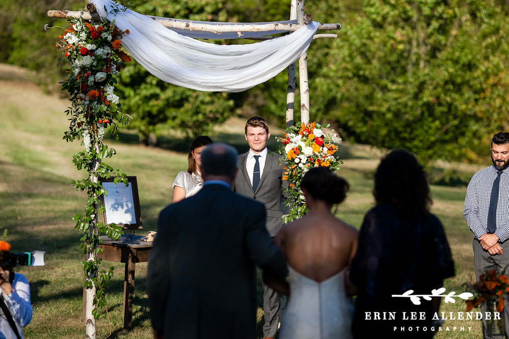 Groom_Sees_Bride_For_First_Time