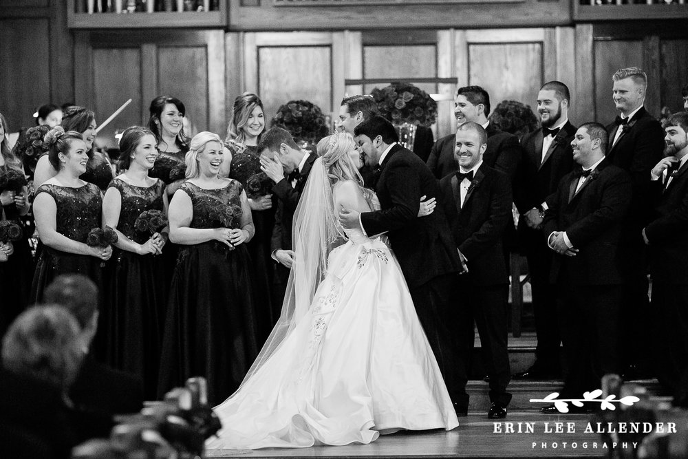 Bride_Groom_Kiss